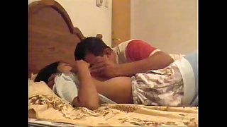 Indian Srilankan Duo Taking Practice Hook-up in New Hotel - Wowmoyback